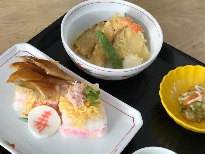 つばさ敬老会お寿司3